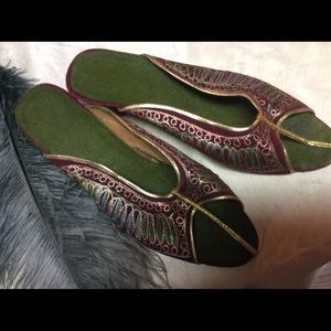 Vintage Costume Moroccan Velvet  Embroidery Shoes